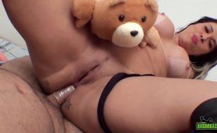 Pornô brasil anal com mulher peituda do cu guloso